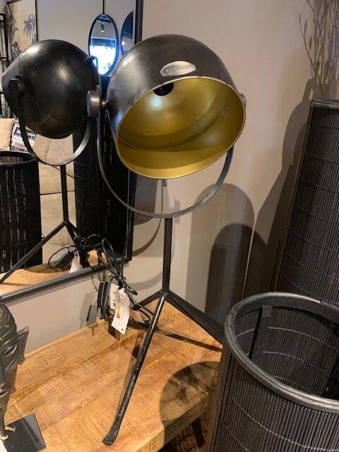 Zwart-gouden lamp